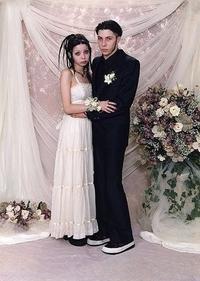 Des nouveaux mariés qui irradient de joie et de bonheur
