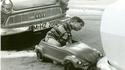 Garer sa Volkswagen dans les années 60