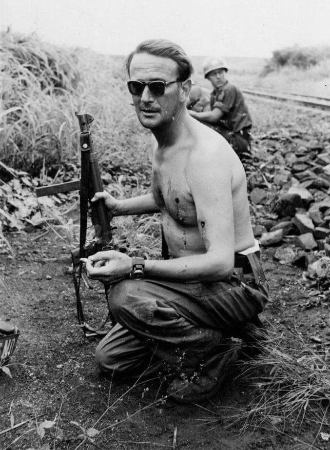 Après avoir pris 2 balles, le 15 janvier 1962 au Congo. Il faisait parti du contingent suédois dans les rangs de l'ONU.