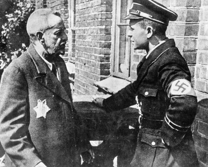 """""""Vous êtes Juif? - Euh, non, non, je suis le shérif""""."""