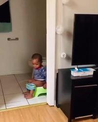 Maman, j'ai cassé mes toilettes