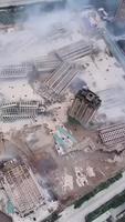 Destruction d'immeubles neuf même pas terminés