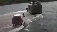 Traversée d'une rivière en Russie