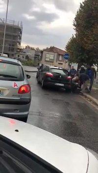 Arrestation violente à Bobigny (Seine-Saint-Denis)