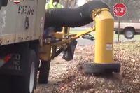 Camion-aspirateur à feuilles