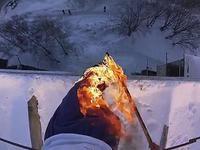 Un Russe en feu saute d'un immeuble