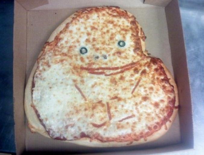 Seul avec sa pizza.