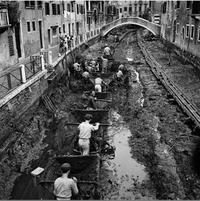Quand on cure certains canaux à Venise