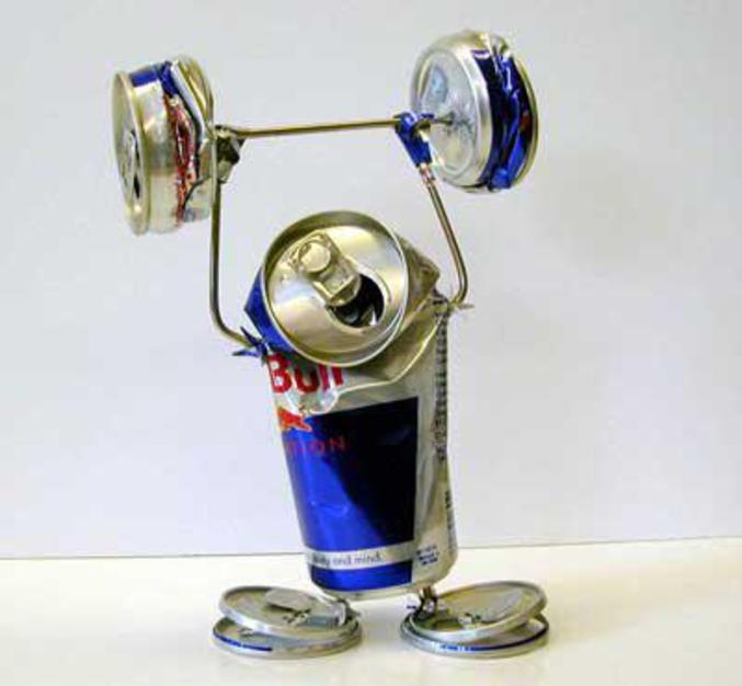 Un haltérophile dopé au Red Bull.