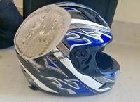 Pour ceux qui doutent de l'utilité d'un casque à moto