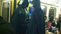Un de nous deux est de trop dans ce métro