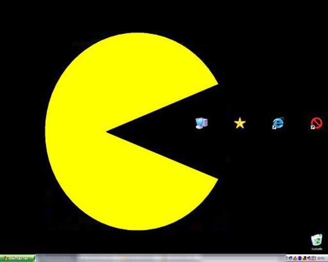 Un bureau avec le thème Pacman.