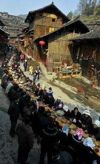 Convivialité pour tout un village chinois...