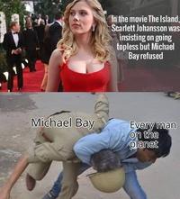 Pour le tournage du film L'île, Scarlett Johansson a insisté pour jouer seins nus