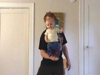 Jongler avec des bébés