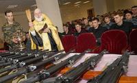Tu peux bénir les kalashnikov...