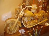 Moto en bois 2