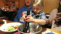 Une petite fille résoud le problème de la faim dans le monde