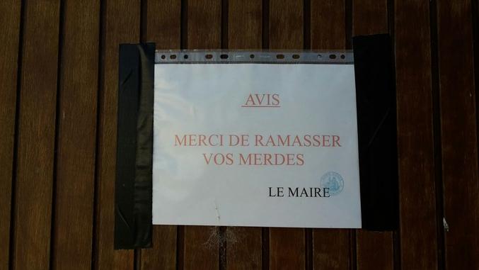 arrêté municipal, dans 1 village champenois.