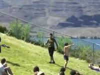 L'homme qui dansait sur la colline.