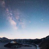 Time Lapse au dessus du Crater Lake dans l'Oregon.