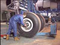 Comment changer un pneu et les freins sur un Airbus