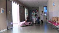 Des voitures-jouets pour une opération