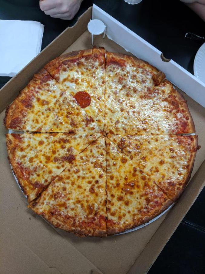 """Il n'y avait pas de """"s"""" à pepperoni?"""