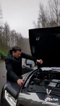 Pièce sur un moteur Rolls-Royce V12 de la Phantom