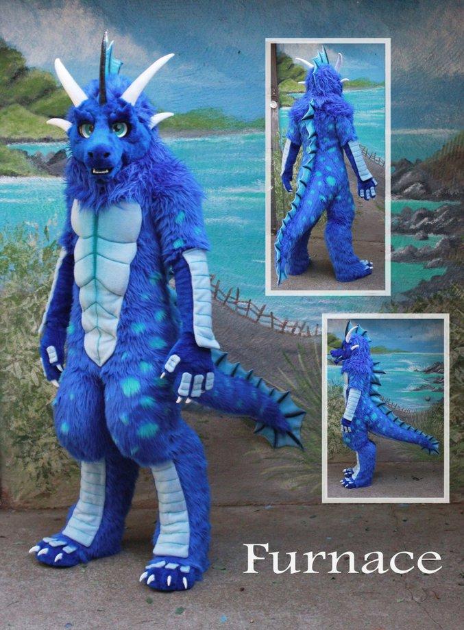 """Costumes appellé """" Fursuit """" , représentant des animaux de différents espèces ( Imaginaire comme réel )"""