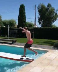 Traverser la piscine