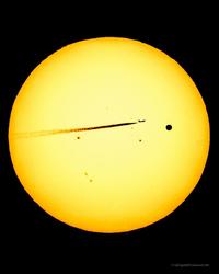 Le Soleil, Vénus et un avion