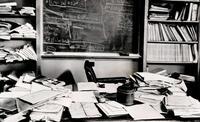 Le bureau d'Albert Einstein comme il l'avait laissé, quelques heures après sa mort .