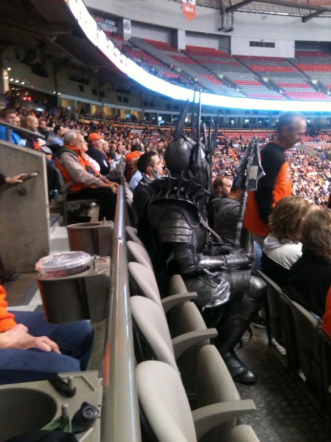 Un très grand fan au match.