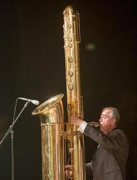 When long saxophon is long