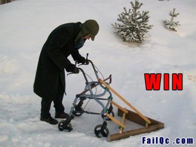Allez papy ! Pousse-moi c'te neige là !