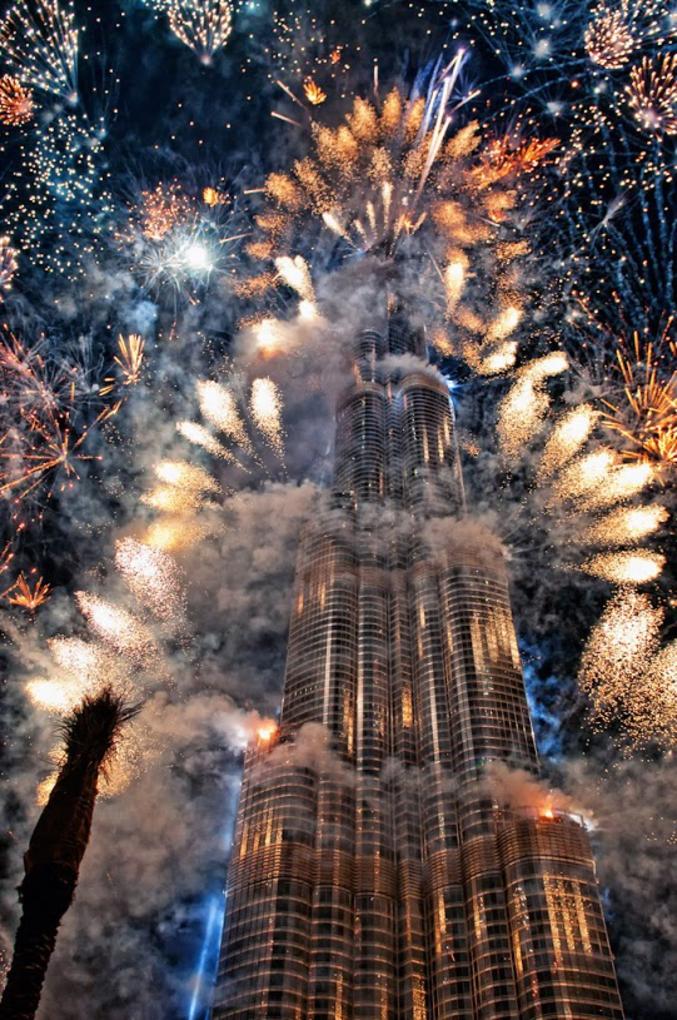 Ils mettent le paquet à Dubaï pour le 1er janvier (feu d'artifice du 01/01/14).