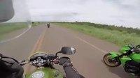 Un Rodriguez sur une moto