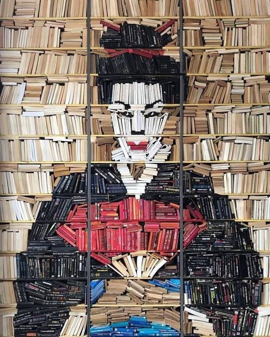 ...que vous n'en pouvez lire, pour le simple plaisir de les voir en attendant vraiment de les lire (vacances, retraite...). Pour cette attente, vous pouvez organiser votre bibliothèque artistiquement...