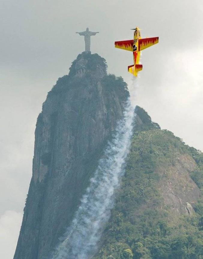 Jésus, arrête de faire le con avec ton avion !