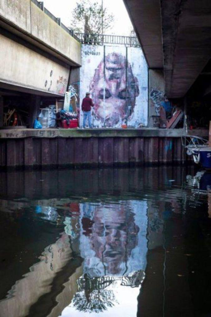 Création sur le sujet du narcissisme par le Street Artist londonien Borondo. Making of : https://www.youtube.com/watch?v=NfkF5V7BtaQ