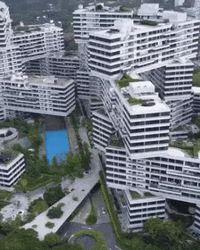 Des immeubles posés les uns sur les autres...
