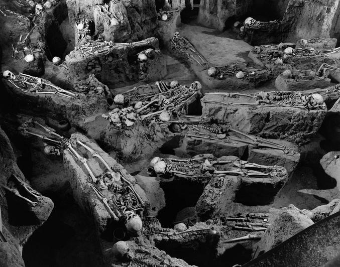 Découverte en 1927 d'une très ancienne nécropole des premiers Indiens (on pense VIIIème siècle).