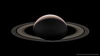 Saturne vue du côté sombre