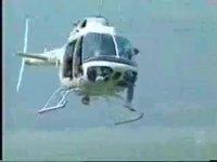 Remorquage d'un bateau par hélicoptère