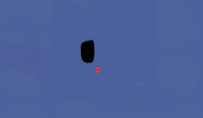 Alors là ça devient difficile... Des indices dès le début... Oui c'est bien une photo Google map trouvée tel quel (je suis allé vérifier) non vous ne pourrez pas la retrouver dans Google photo ou autres (essayés aussi)... je suis enclin à vous diriger sur la carte (genre: plus à droite, plus à gauche...) important cela ne se voit qu'avec la version satellite de Google map. une fois la réponse trouvée je vous conterais la petite histoire qui va bien et vous ferez profiter de l'article d'où est tirée cette image... courage.