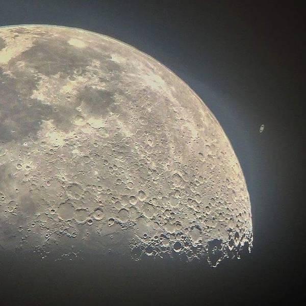 Quelques clichés de la Lune 9444e4851662366d43eed789ec151471
