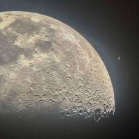 la lune et saturne sur le même cliché