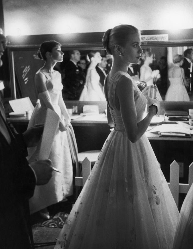 A la cérémonie des Oscars en 1956.