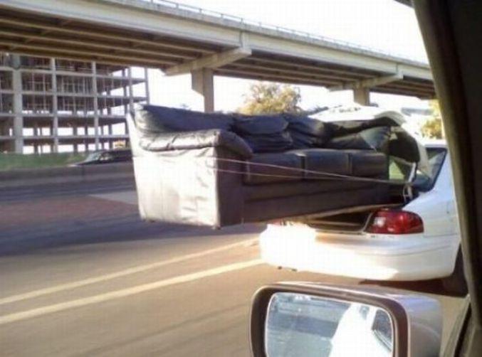 Un canap dans le coffre de la voiture for Canape voiture